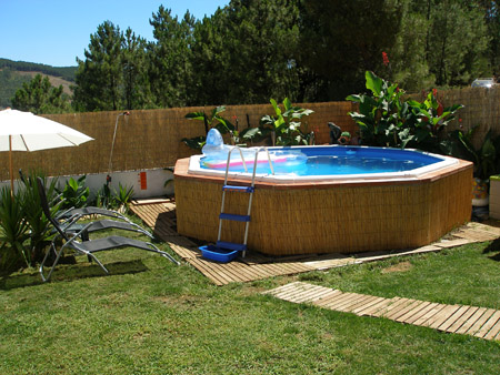Tarimas para piscinas desmontables materiales de for Piscinas desmontables